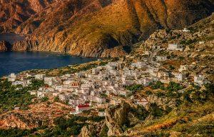 כמה הון עצמי צריך כדי להתחיל להשקיע ביוון?