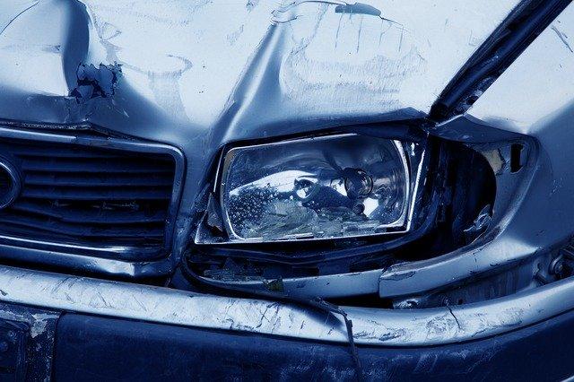 איך בוחרים עורך דין תאונות דרכים