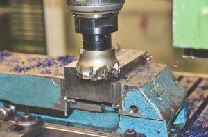 מה ההבדל בין מכונת לייזר לבין מכונת CNC?