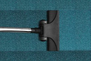 כמה עולה לנקות שטיח יצאנו לבדוק?