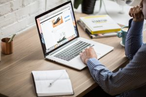 איך יזמויות באינטרנט יכולות למקסם לך רווחים בעסק?